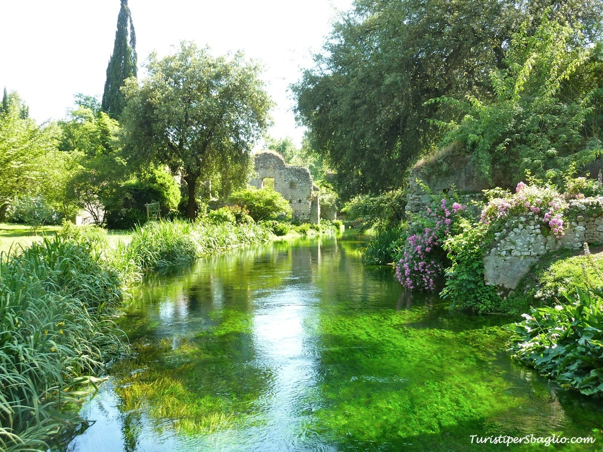 Il 2014 in 12 scatti sbagliati turisti per sbaglio - Il giardino di ninfa ...