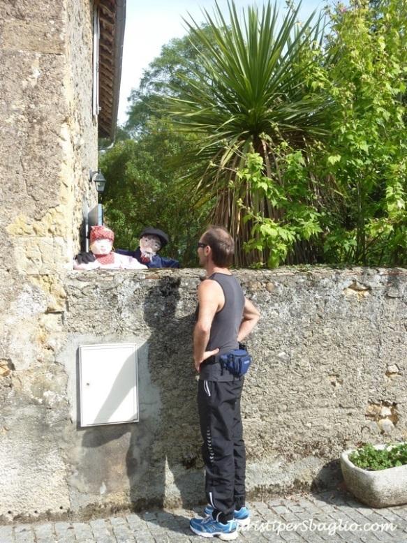 A Gianni piace parlare con i locali..._new
