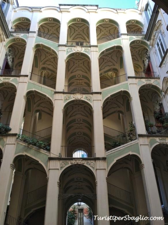Napoli - Insolita Guida - Palazzo Spagnolo - 1_new